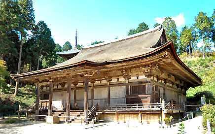本 堂(常楽寺) 「本堂」は桁行七間、梁行六間の入母屋造です... 寺院建築−室町時代